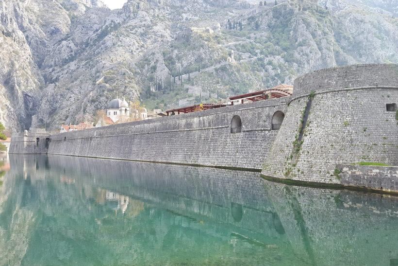 Muret e qyteti te vjeter Kotor