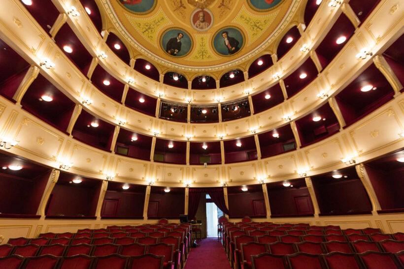 Teatri i Apollonit (Syros)